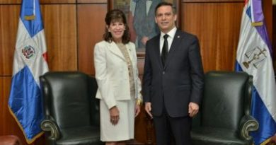 Presidente de SCJ trata con Embajadora EEUU sobre sistema justicia dominicano