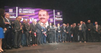 Castillo pide a dominicanos en exterior seguir apostando a Danilo ante miles de seguidores en acto de apoyo al Gobierno