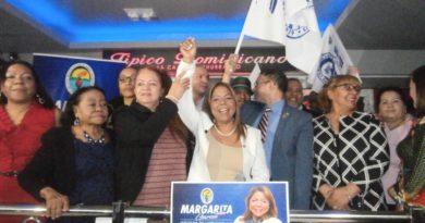 Mujeres del PRD demuestran fuerza en lanzamiento de candidatura a diputada de Margarita García