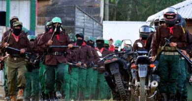 """Intelectuales piden a López Obrador acabar con la """"militarización"""" en el territorio zapatista"""