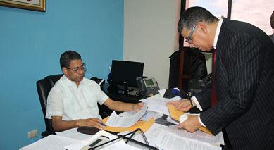 ATENCIÓN: Abogados de Ramfis se querellan contra alcaldesa y Bauta