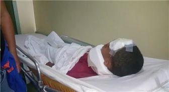ATENCIÓN :Estudiante lanza de segundo piso a un compañero en escuela