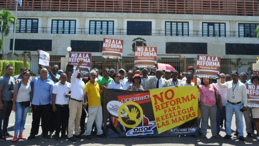 OJO: Los diputados de Leonel se resisten a votar en sesión