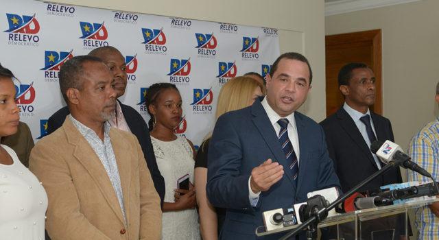 ATENCIÓN: Aspirantes Manuel Crespo alerta reelección afectaría al PLD