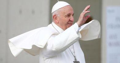 El papa Francisco aprueba un cambio en el texto del padrenuestro en italiano
