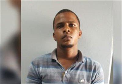 PN pone bajo arresto acusado de herir de puñaladas a dos hombres en SFM