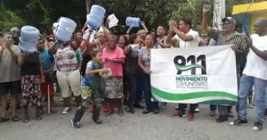 Protestan en Los Alcarrizos en reclamo del servicio eléctrico y agua potable