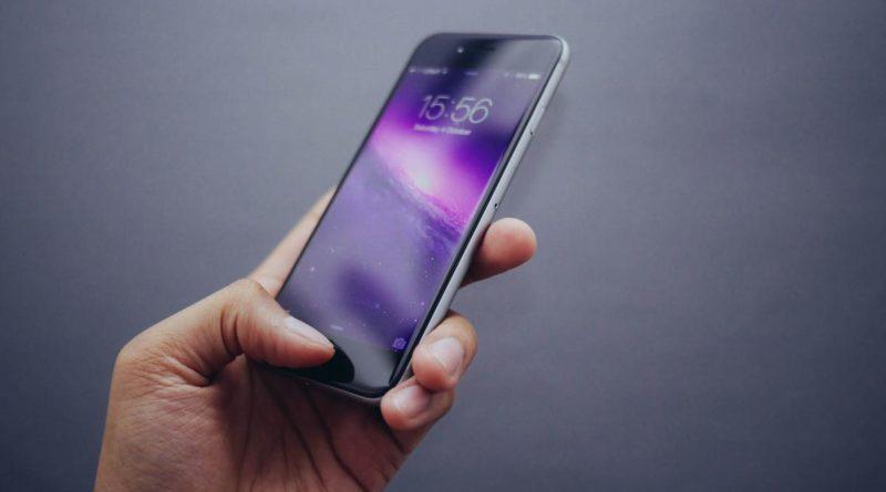 Ya puedes usar tu móvil Android para acceder a cuentas de Google en iPhone y iPad