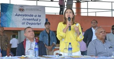iscal Distrito Nacional y presidente DNCD orientan jóvenes en festival deportivo de prevención contra las drogas