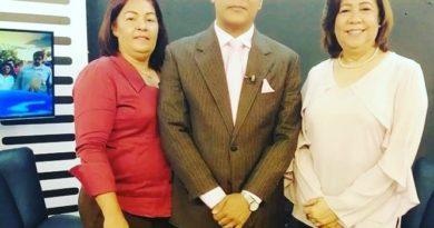 """Jacinta Estévez """" Dama que ha sido profesora, directora, encargada de distrito escolar ,ahora vice-alcaldesa"""" y ya por una diputación en la Circ No.1 SDE"""