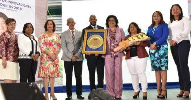 10ma Feria Regional de Innovación Pedagógica impulsa la invención, creatividad y desempeño de los estudiantes.