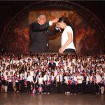 Cónsul Castillo y Gobierno entregan medallas al mérito a 545 estudiantes sobresalientes de varios estados