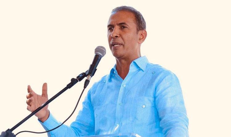 Por iniciativa de Domingo Contreras comisión determinará lugar más factible para relleno sanitario Puerto Plata