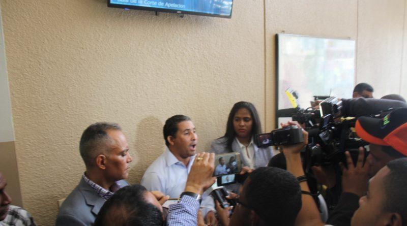 ATENCIÓN :Dirigente de Ramfis en Salcedo, que se enfrentó a Bauta Rojas cuando grafiteaba el comando de campaña, denuncia le quisieron