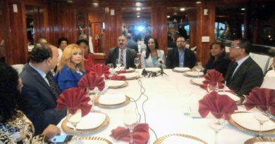 Renacer celebra primer foro en el exterior en defensa de soberanía de la República Dominicana