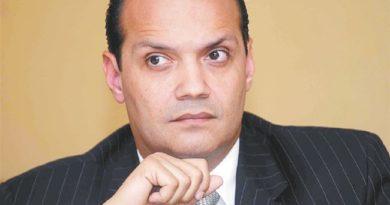 Ramfis Domínguez dice que intentan comprar a sus simpatizantes para firmar libro contra la reelección en el Congreso