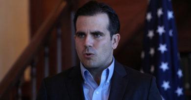 El gobernador de Puerto Rico anuncia que no buscará la reelección tras las masivas protestas en su contra.