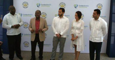 AES Dominicana dona más de 500 mil pesos en equipos y mobiliarios a Maternidad de Boca Chica