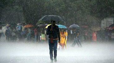 COE aumenta a 13 las provincias en alerta por vaguada y onda tropical