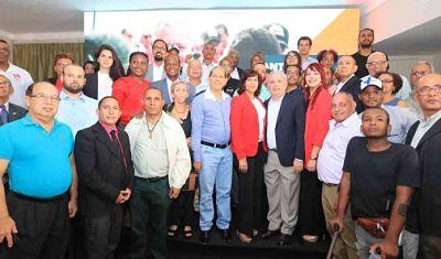 Coalición Democrática presenta a Antonio Taveras como candidato a senador por la provincia SD
