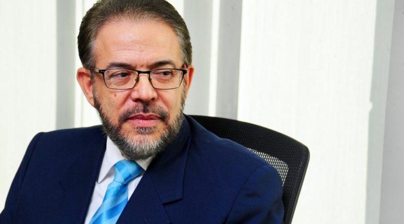 """Guillermo Moreno llama """"simuladores"""" a opositores de la República Dominicana"""