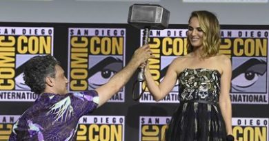 Natalie Portman toma el martillo y se convierte en la primera 'Thor' mujer en la próxima película de Marvel