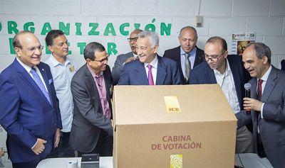 Pleno JCE realiza primera prueba interna a equipos de Voto Automatizado