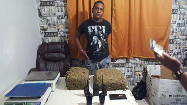 Policía Nacional SDE apresa hombre con 16 libras de marihuana en Los Mina