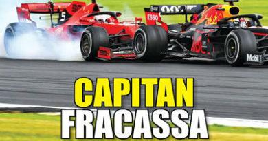 Vettel se cae con todo el equipo