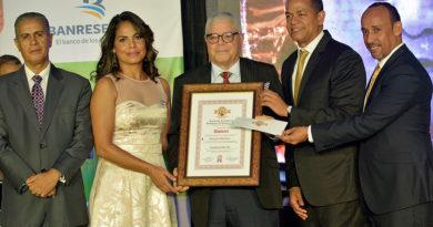 """Santana Martínez, el """"Cronista del Año"""" de la ACDS"""