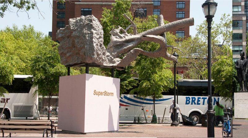 Activista califica de ofensa a dominicanos escultura que bloquea estatua de Duarte en Manhattan