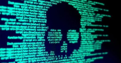 Este malware espía para WhatsApp puede robar tus datos de las cuentas de Facebook y Google