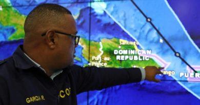 """Advierten de la """"triple amenaza"""" que podría traer a Florida el huracán Dorian"""