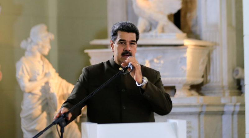 """Maduro culpa de los incendios en la Amazonía al """"fascismo"""" del gobierno de Bolsonaro, que la """"entregó a la oligarquía terrateniente"""""""