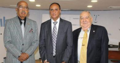 A los 89 años de que Rafael Leónidas Trujillo llegó al poder se prende el debate con el libro: Trujillo ¿Bueno o malo?