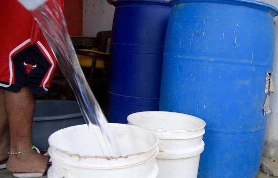 ATENCIÓN: Escasez de agua golpea principales sectores de la ciudad de Santiago
