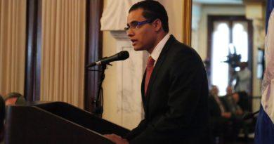 Ministro espera partidos firmen el Pacto Eléctrico