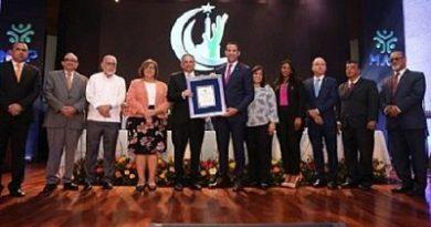 Asociaciones empresariales, académicas y otras reconocen labor ministro Ventura Camejo