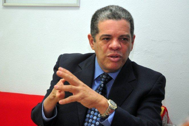 OJO: Carlos Amarante dice usan asfalto para presionar a los alcaldes