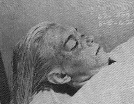 Un famoso fotógrafo captó imágenes del cadáver de Marilyn Monroe tras colarse en la morgue y las escondió en una caja de seguridad.