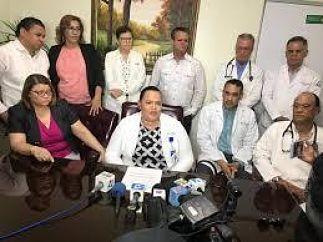 CMD Levantan paro de labores en la maternidad de Santiago