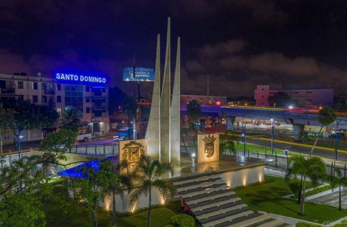 Alcalde David Collado entrega remozamiento de la Plaza de la Trinitaria con nuevos atractivos