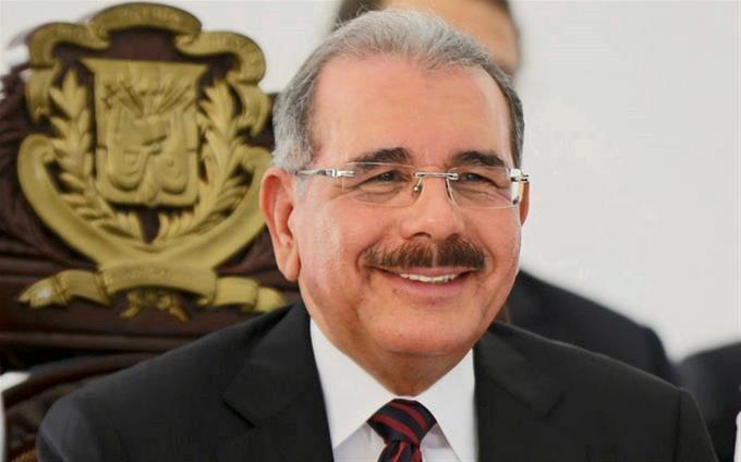 Presidente Medina designa nuevos funcionarios en Impuestos Internos