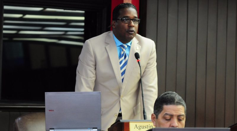 ATENCIÓN: Diputado afirma dengue mata niños y daña el turismo