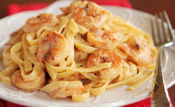 RICOS: Spaguetti con camarones