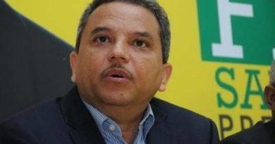Diputado cree destitución de ministro es señal del silencio