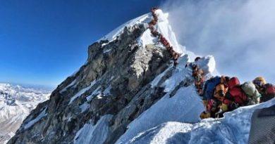 Imponen nuevos requisitos para escalar el Everest
