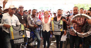 LUCIA MEDINA ENCABEZA AMPLÍO OPERATIVO EN BENEFICIO DE CIENTOS DE MOTOCONCHISTAS DE SAN JUAN