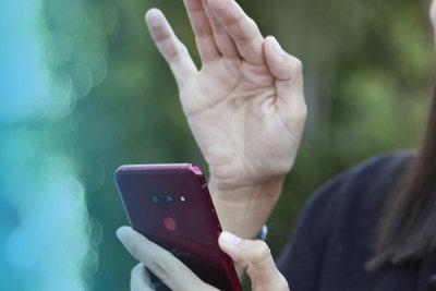 La próxima tendencia entre los smartphones: no tocarlos