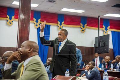 Los diputados de Haití debaten si llevan a Moise a un juicio político